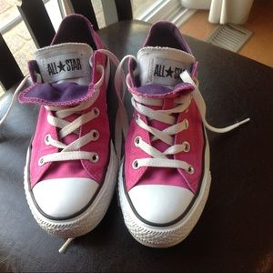 Converse pink chuck canvas shoe